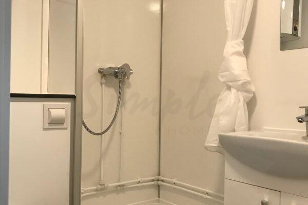 Flot beboelsesvogn med badeværelse og køkken til leje