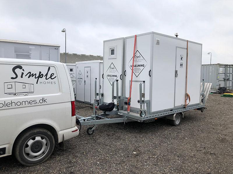 Mobile badeværelser udlejet i forbindelse med forsikringsskade