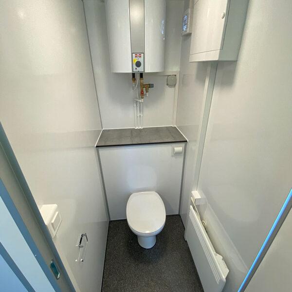 4 personers mandskabsvogn med toilet med kværn